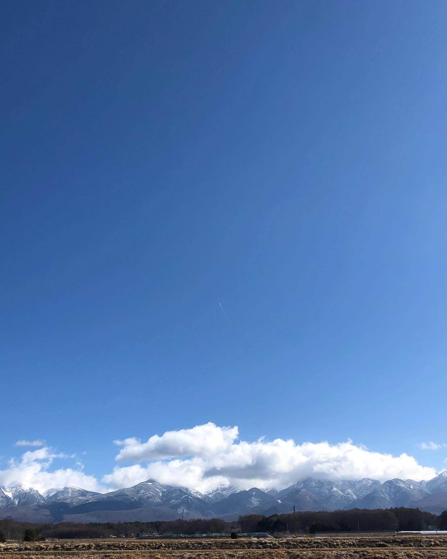 おはようございます!!昨日に続き穏やかな陽気ですが、風が冷たい〜本日「食品祭」最終日となります。食品全品10%オフご来店お待ちしております♪#ストーブハウス#ストーブハウス原村 #食品祭 #原村#八ヶ岳#自然食品#有機栽培#オーガニック #オーガニック生活 #食品添加物不使用 #ビーガン #調味料 #免疫力アップ #食材 #食材買い出し #別荘 #体に優しいごはん #体に優しい #からだがよろこぶ #子供に優しい #子供も大好き #薪ストーブ #薪ストーブのある暮らし#山暮らし