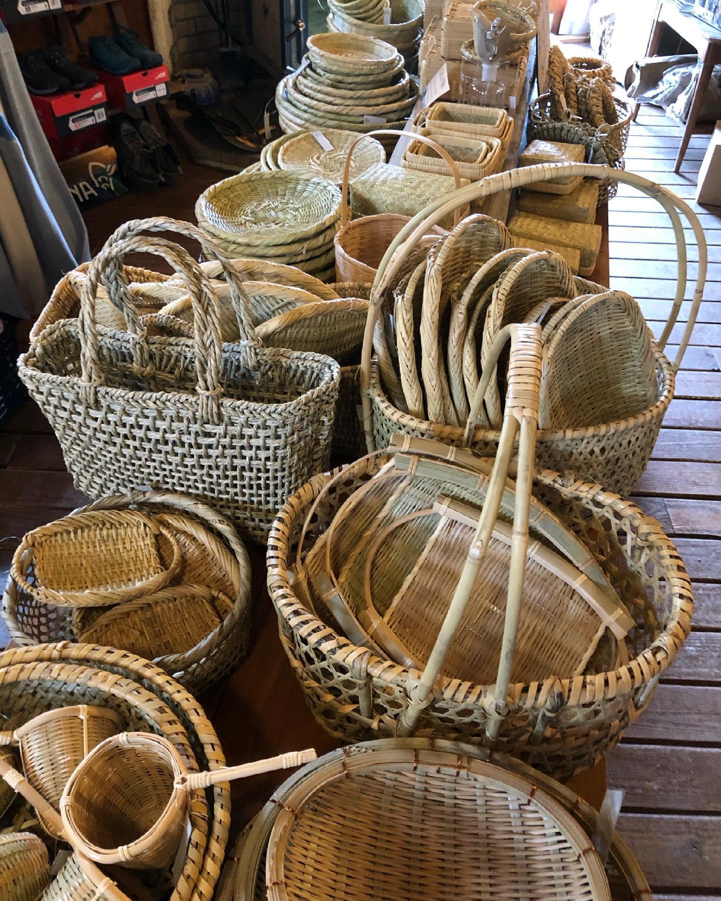 母の日の準備はもうお済みですか?5/9まで営業しております。#薪ストーブ #薪ストーブのある暮らし #アウトドアギア #薪ストーブツール #アパレル #アウトドアアパレル #暮らしの道具 #キッチンウェア #ガーデンツール #荒物屋 #食品 #自然食品 #有機食品 #セレクトショップ #山の暮らしのお手伝い #八ヶ岳の薪ストーブ専門店 #ストーブハウス原村 #原村 #富士見 #蓼科 #八ヶ岳 #母の日プレゼント #母の日 #母 #プレゼント#ギフト#いつもありがとう #感謝 #感謝の気持ち @stovehouse.woodstove