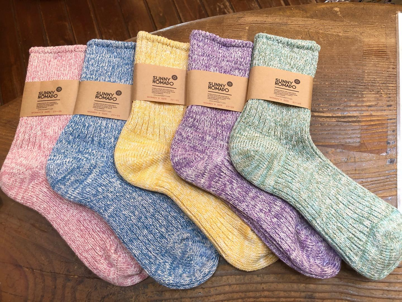 日本一の靴下生産量を誇る奈良県、国内にも数える程しか存在していない…ビンテージマシンで丁寧に作られた靴下。麻の素材により夏は涼しく吸水性が高い!!夏のサンダル️靴下の組み合わせにオススメです#ストーブハウス原村 #八ヶ岳の薪ストーブ専門店 #薪ストーブ #薪ストーブのある暮らし#八ヶ岳#原村 #茅野市 #奈良県 #靴下#ソックス#hemp#ヘンプ #ビンテージマシンで編んだ麻の靴下 #麻 #アウトドア#アウトドアファッション #キャンプ#キャンプコーデ #履き心地抜群 @sunny_nomado